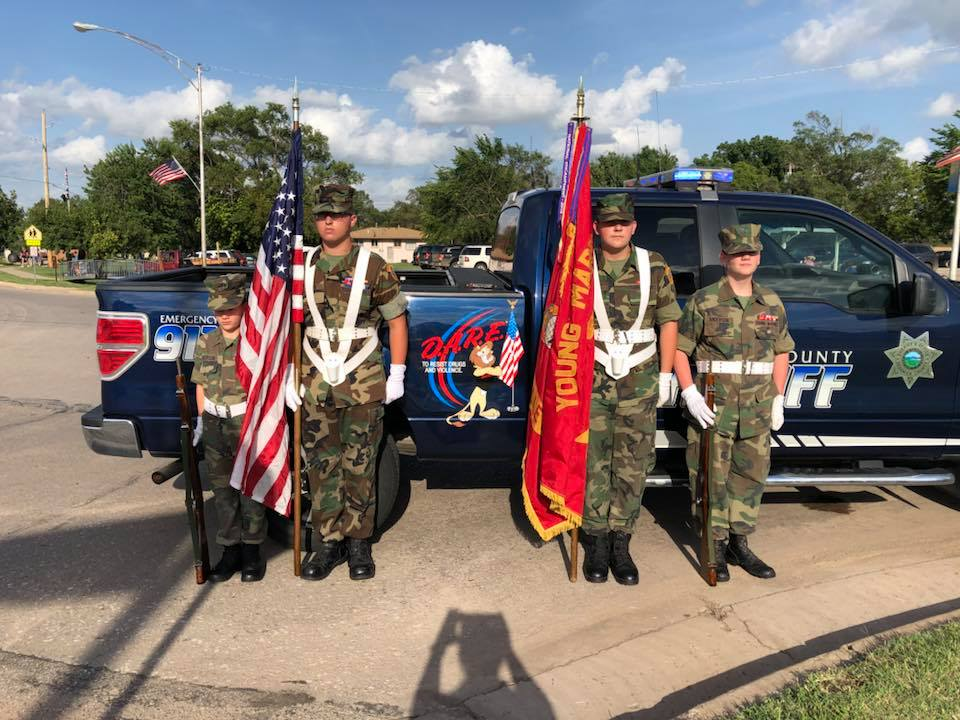 Tornado Alley Young Marines support the Kansas Honor Flight